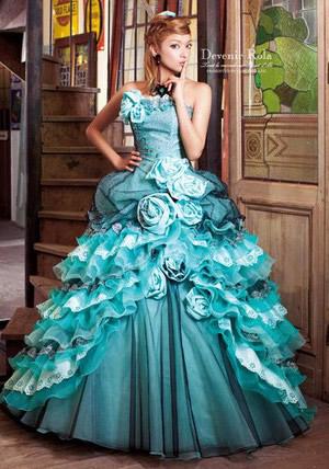 ローラウエディングドレス画像2