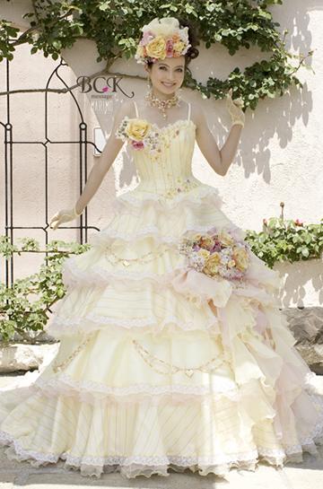 ベッキーウエディングドレス画像2