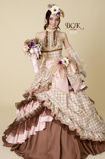 ベッキーウエディングドレス画像3