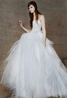 ヴェラ・ウォン|ウエディングドレス1