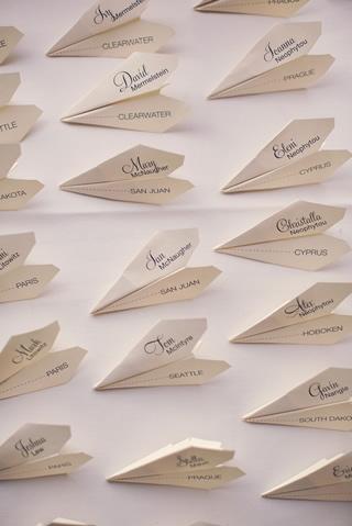 紙飛行機の席札