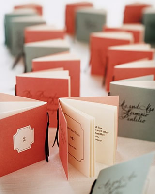 小さな本の席札