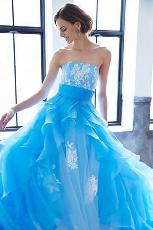 ブルーのウエディングドレス56
