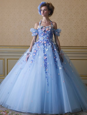 ブルーのウエディングドレス60