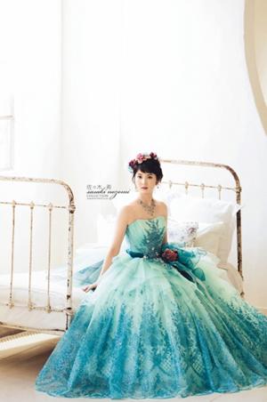 ブルーのウエディングドレス71