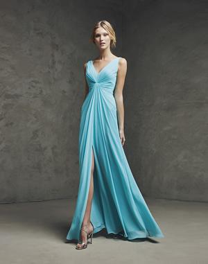 ブルーのウエディングドレス81