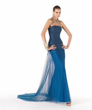 ブルーのウエディングドレス83