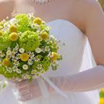 花嫁のウエディングドレス|デコルテと二の腕